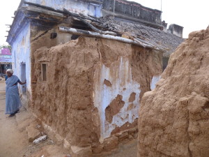 Suruli's old house dissolving